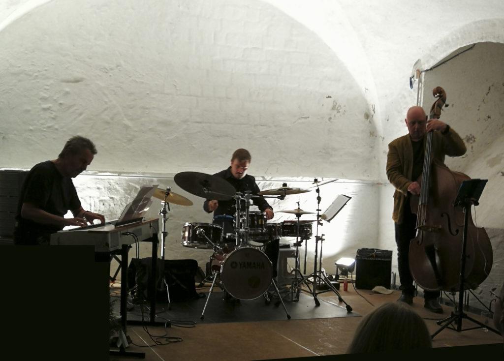 MichaelArmannTrio, Michael Armann Keyboard, Piano, Benjamin Bärmenn, Drums, Michael Schöne, Bass